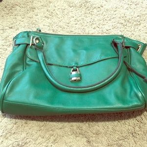 Green Purse with Lot of Pockets